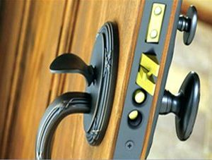 WHAT SERVICES DOES A SECURITY LOCKSMITH RENDER?