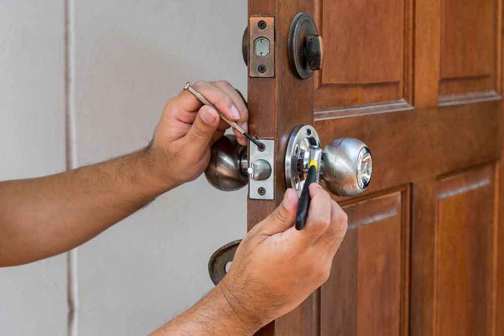 HOW MOBILE LOCKSMITH MAKE YOUR HOME SAFER