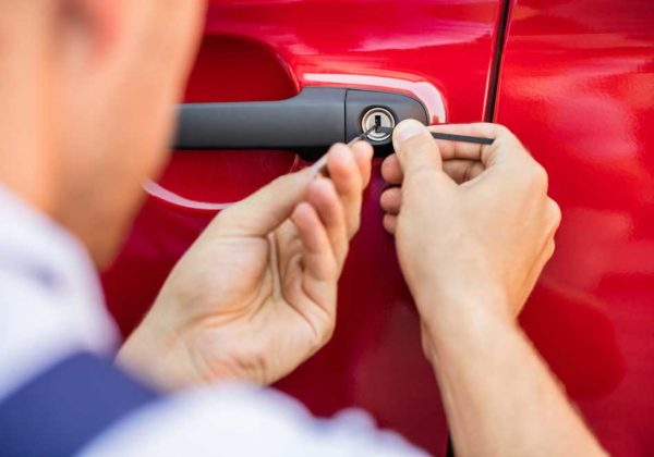 We-also-provide-automotive-locksmith-services